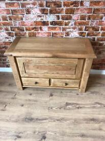 Oak blanket box with drawers