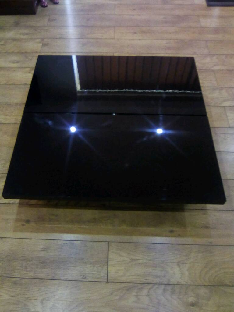 Large Unusual Low Black Gloss Coffee Table Storage Good Conditkon