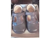 Clarks first shoes girls size 4 f grey leather