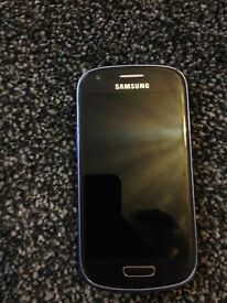 £30 Samsung S3 mini (navy blue) with charger