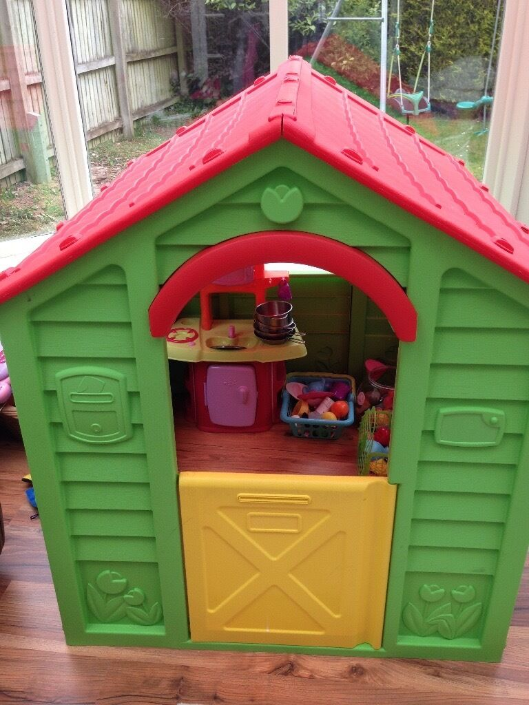Toys R Us Playhouse Mini Kitchen And Accessories In