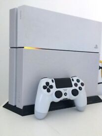 PlayStation 4 500GB Glacier White with Silver Vinyl skin - Boxed Console with Controller, Cables etc