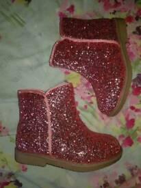 Girls pink glitter boots