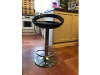 Bar stool adjustable £10!
