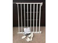 Lindam baby stair gate with fittings