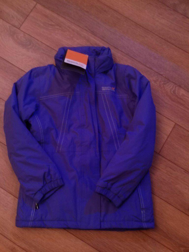 Girls Regatta Coat ( Purple ) 9-10 years Brand new still has labels on.
