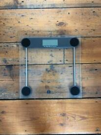 Weighing Scales / bathroom scales