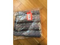 Super dry leggings size large (brand new)