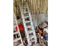 Extendable loft ladder