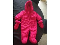 Snowsuit ( 3 to 6 mths )