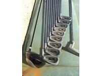 Men's righthand golf clubs
