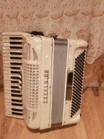 Piano accordeon excelsior £300