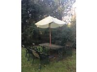 Cast iron garden table & 4x chairs with umbrella