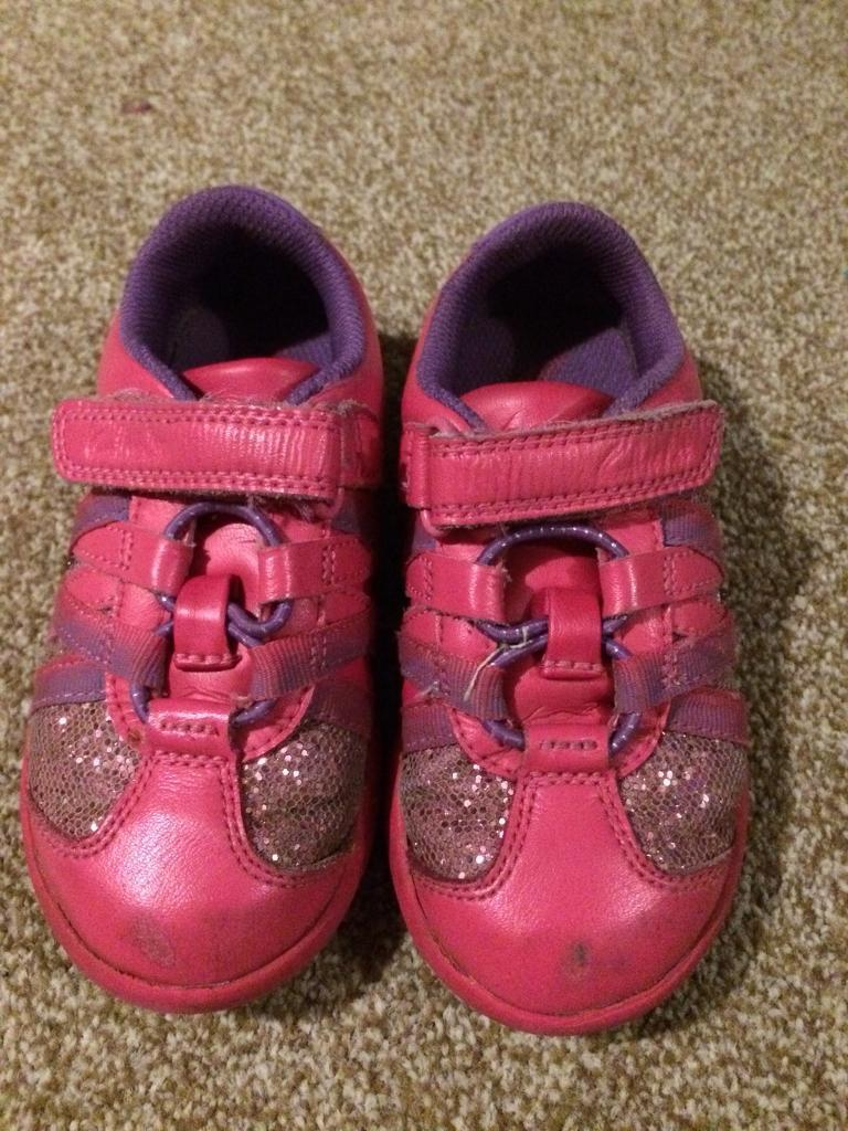 Girls Clark's pink sparkly flashing trainers