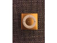 Apple iPod shuffle 4th Generation - 2 GB Gold