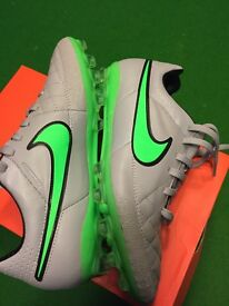 Nike Tempo Football Boots