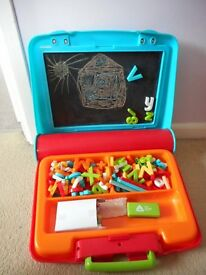 ELC MAGNET AND CHALK PORTABLE CASE
