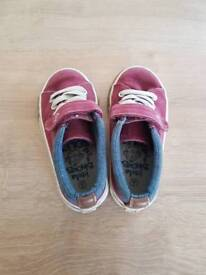 Size 6 blue zoo shoes