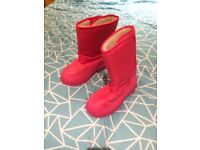 Girls Pink Snow boots, size 3, excellent condition from a pet and smoke free home