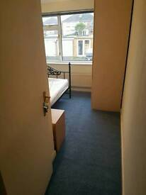 1 Double Bedroom Itchen