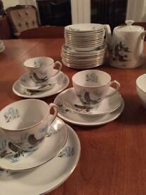 35 piece Alfred Meakin teaset flying ducks Glo White