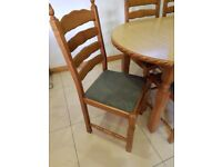 Selling Kitchen Table with 6 chairs.
