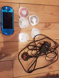 PSP Slim & Lite 3000 Blue + 5 Games