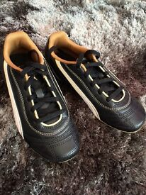 Puma football boots with blades, size 1, New