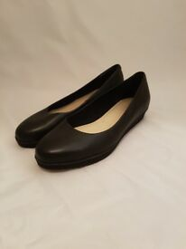 Clarks Woman's Pumps | UK Size 5 | Black
