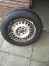 195/65/R15. Bridgestone. Merc vito