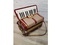 hohner la divina accordion (DELIVERY AVAILABLE)