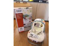 Mamas and Papas baby wave baby rocker / bouncer / swings
