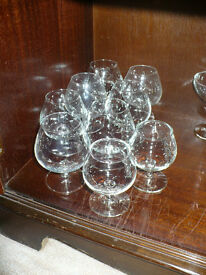 House clearance! Lots of glass and mugs. (more than on the pictures) Students/party/flats for rent..