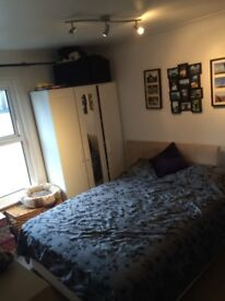 Double bedroom in terrace house for rent £500 per month with bills included, CR0