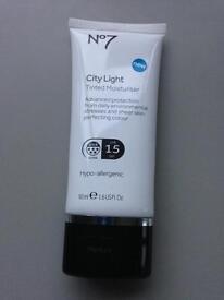 No7 City Light Medium Tinted Moisturiser