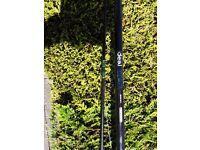 12 fòt fishing rod. With reel.