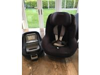 Maxicosy pearl & first baby car seat and family fix isofox base