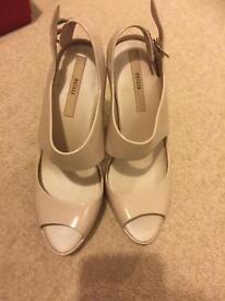Melissa sandel with heel