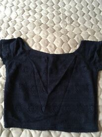 Ladies hollister top size M