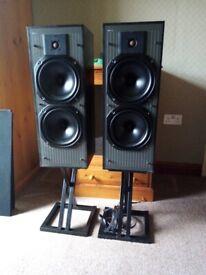 Kef c40 hifi speakers with stands