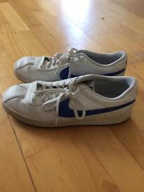 Nike Tennis Shoes Size 11