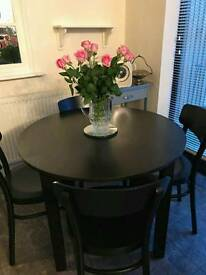 table abd 4 chairs