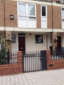 2 bedroom House to rent, Docklands East London - NO FEES