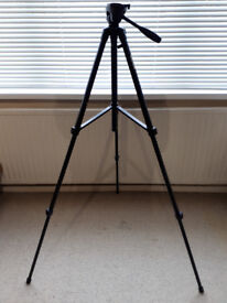 Ideal gift for photographer - Camera Tripod (Velbon EF-51) with video of tripod