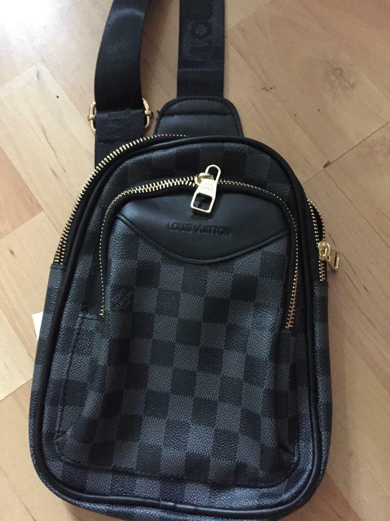 262e19e619c Mens louis vuitton mini messenger bag