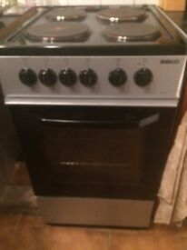 Beko 50cm freestanding oven black and silver