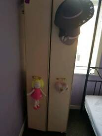 Single bedroom cupboard