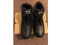 Brand New Men's Safety Boots Size 9 (non metallic)
