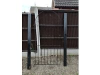 "6""2 x 2""9 iron gate for sale £20. Easy assembly."