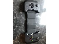 Gamevice controller for Apple phone